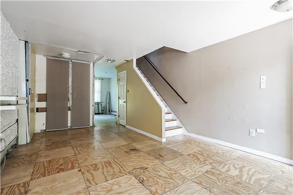 Additional photo for property listing at 235 Hart Street  Brooklyn, Nueva York 11206 Estados Unidos