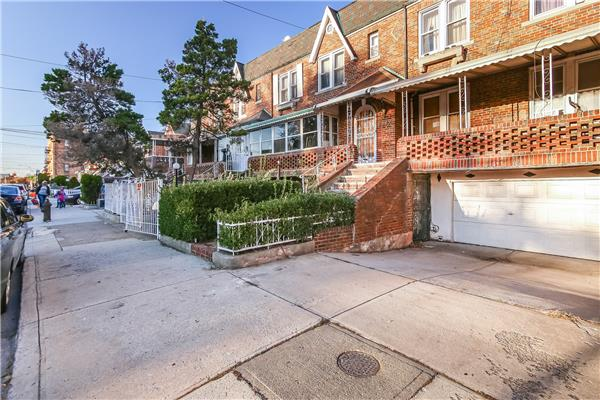 Additional photo for property listing at 649 East 94th Street 649 East 94th Street Brooklyn, New York 11236 United States