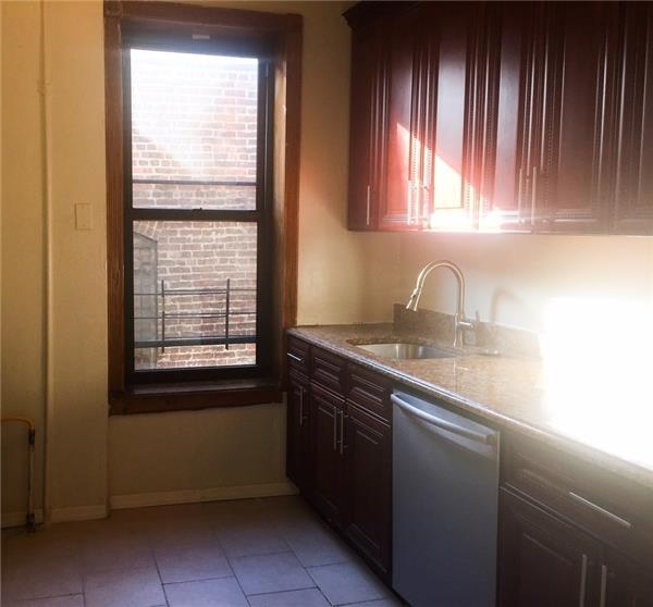 独户住宅 为 出租 在 261 14th Street #B3 布鲁克林, 纽约州 11215 美国