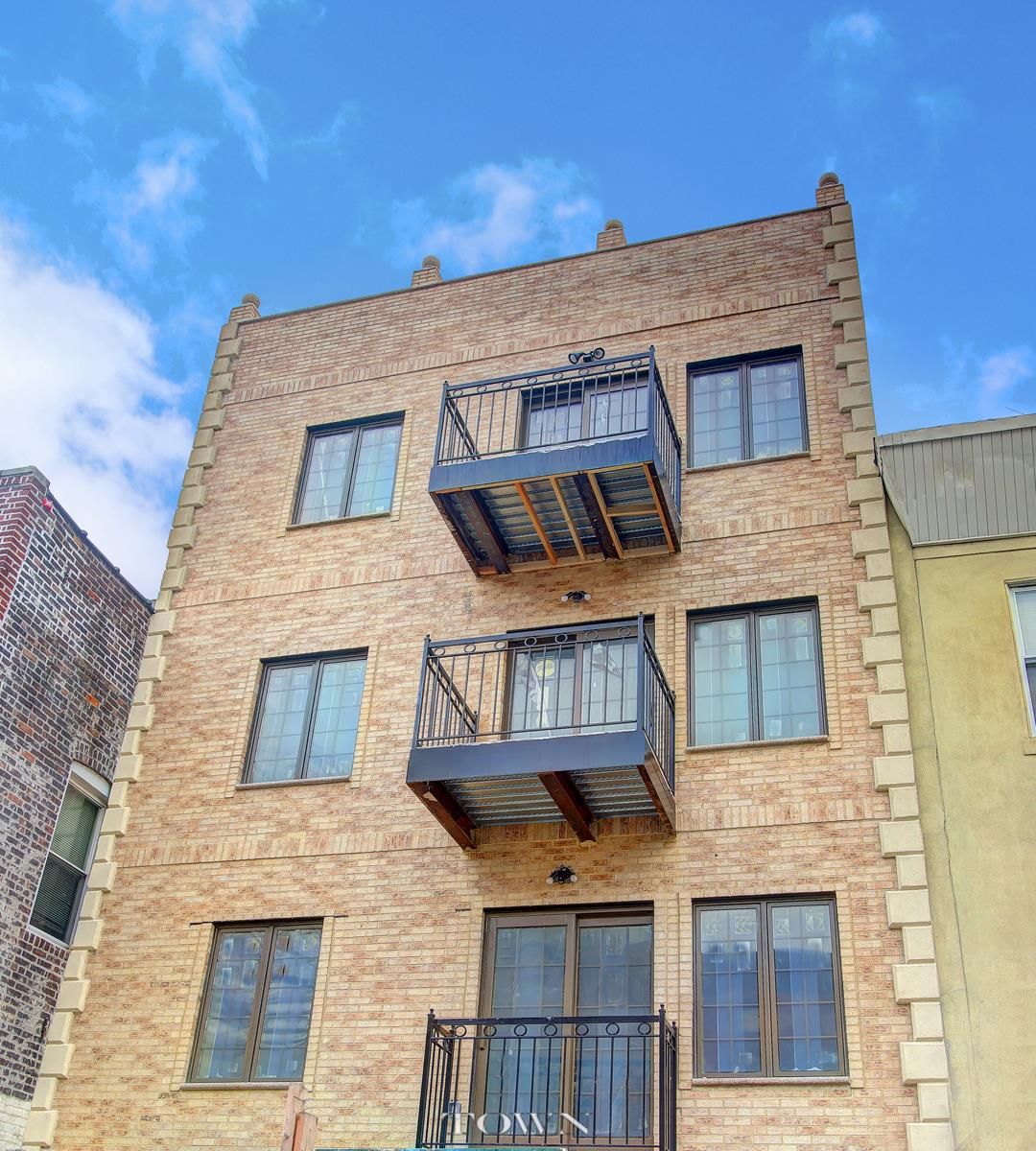 Low Rise for Sale at 194 22Nd Street 194 22Nd Street Brooklyn, New York 11232 United States