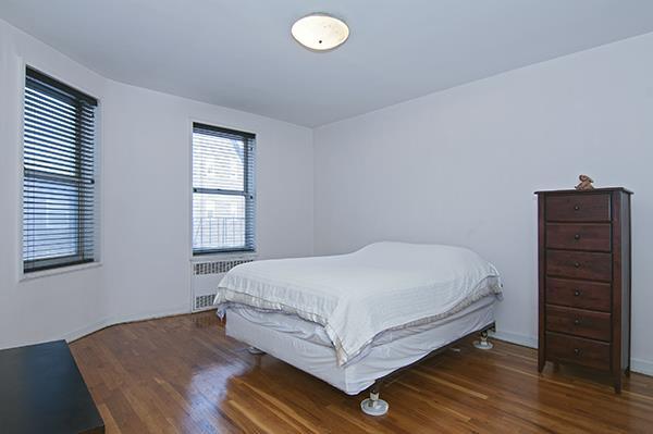 79-10 34th Avenue Elmhurst Queens NY 11372