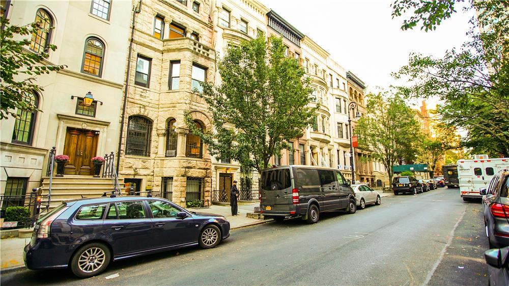 5 East 94th Street Carnegie Hill New York NY 10128