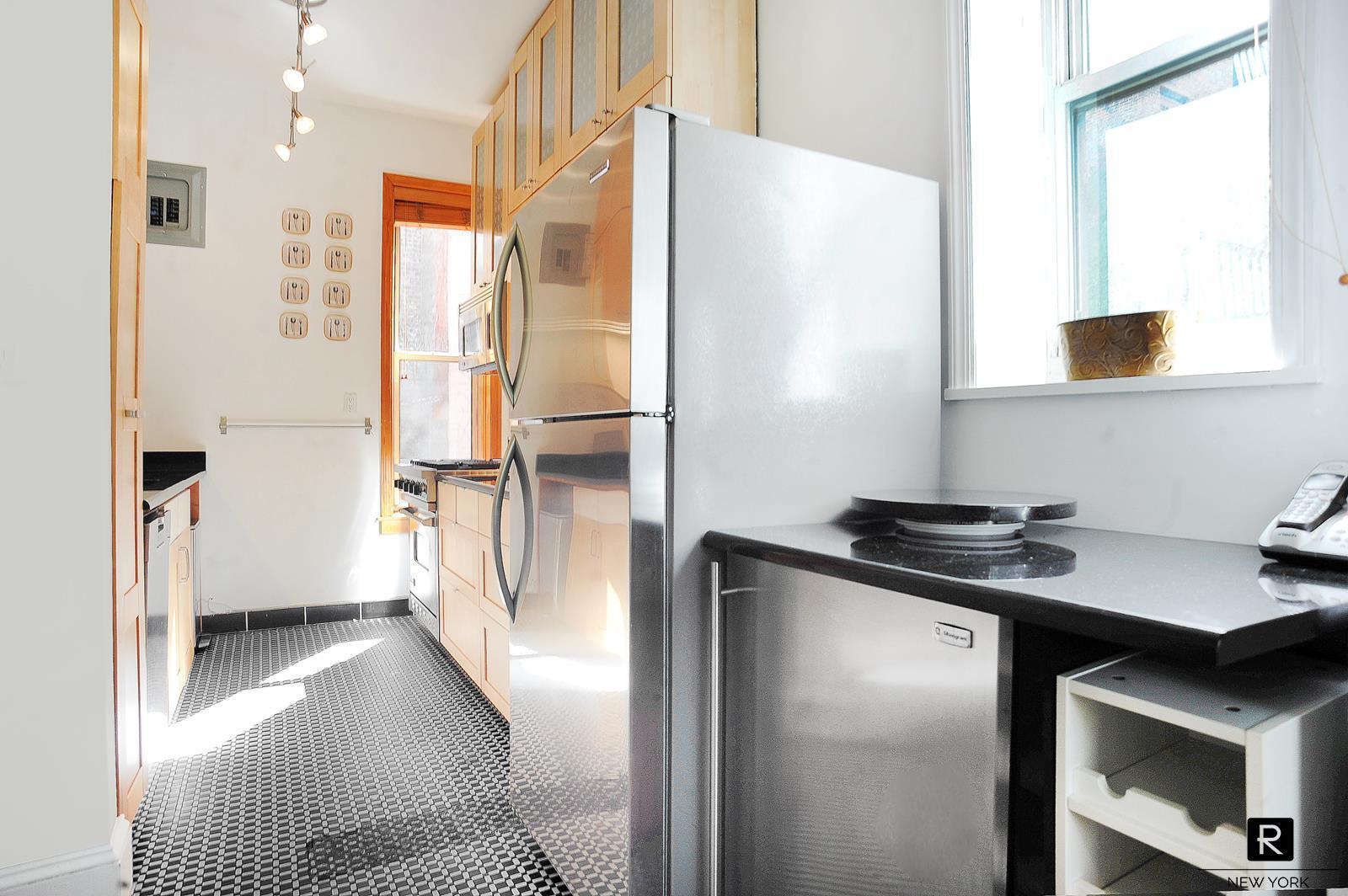31 West 10th Street Greenwich Village New York NY 10011