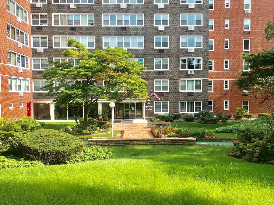 164-20 Highland Avenue Jamaica Hills Queens NY 11432