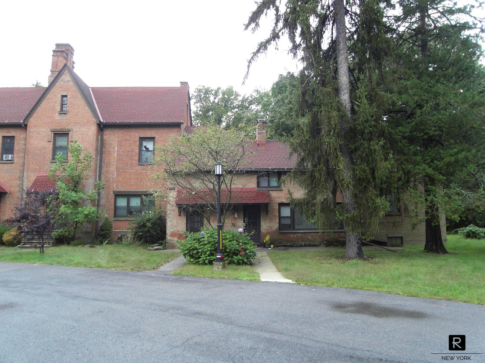 20 Clover Way Out of NYC Poughkeepsie NY 12601