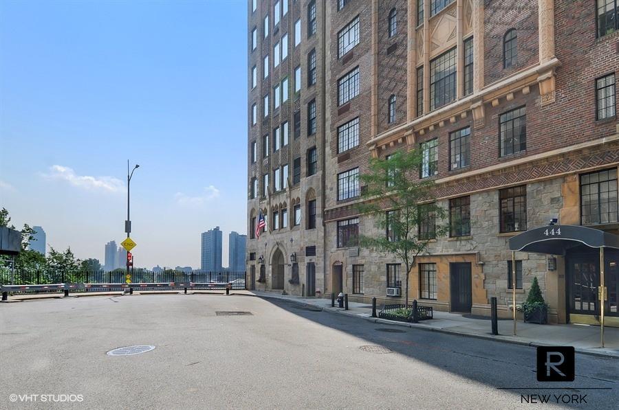 444 East 52nd Street Beekman Place New York NY 10022