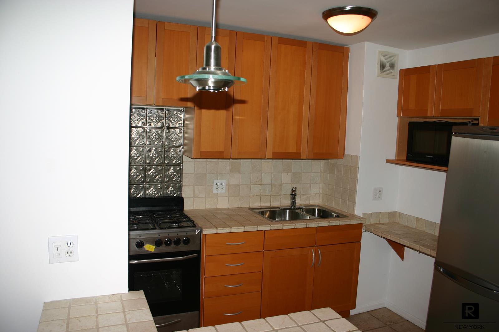 165 Christopher Street Greenwich Village New York NY 10014