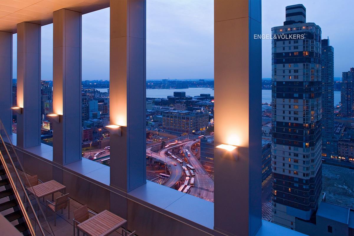 350 West 42nd Street Clinton New York Ny 10036 David