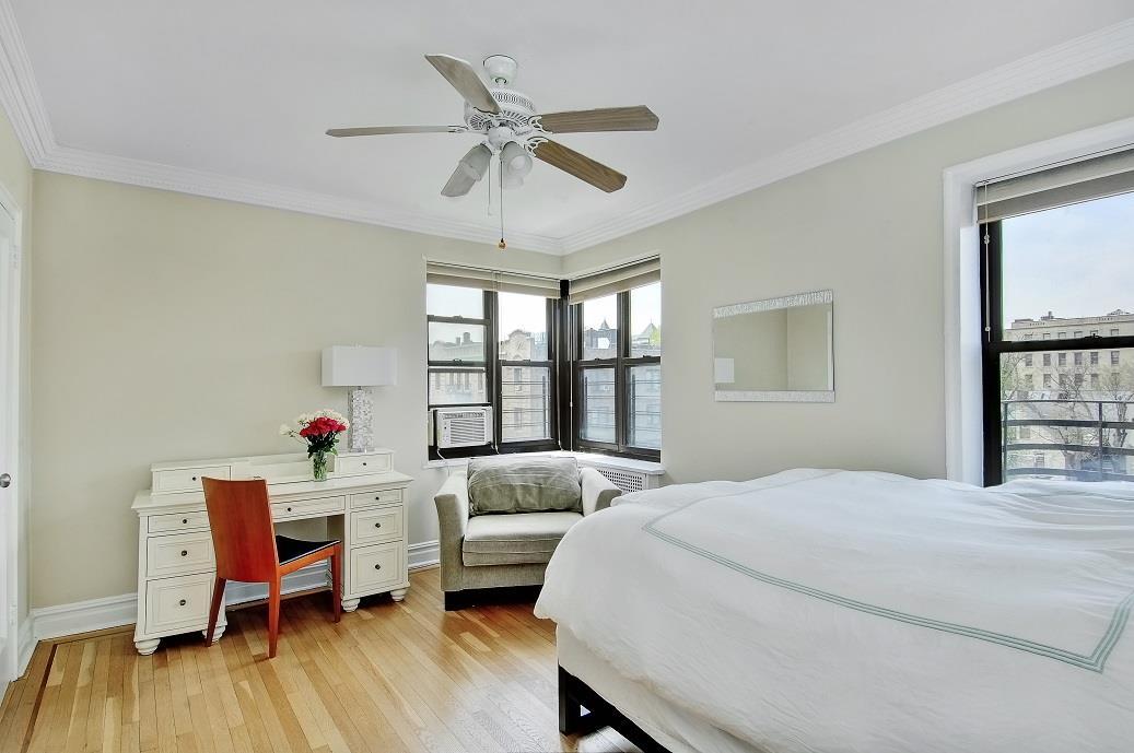 2962 Decatur Avenue Bedford Park Bronx NY 10458