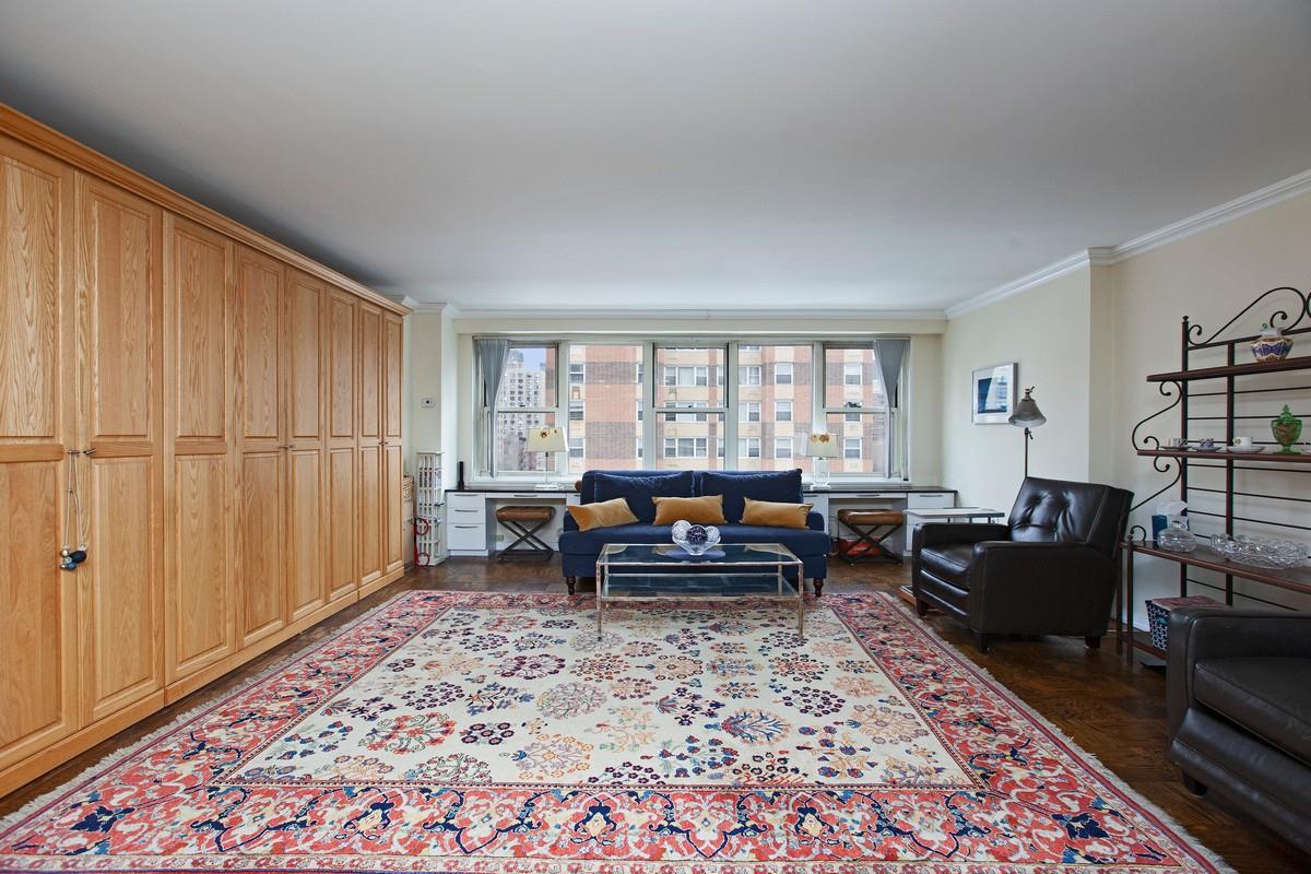 305 East 24th Street Kips Bay New York NY 10010