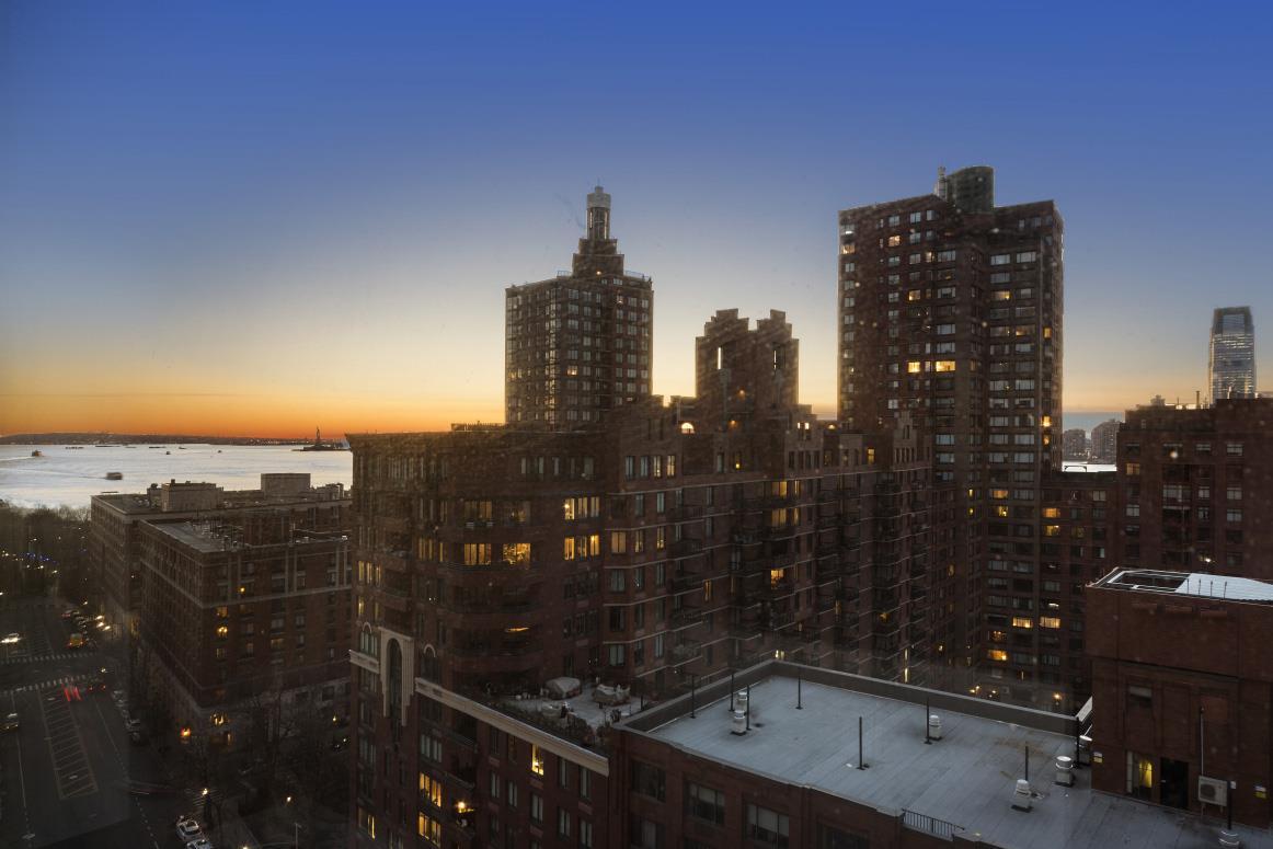 250 South End Avenue Battery Park City New York NY 10280