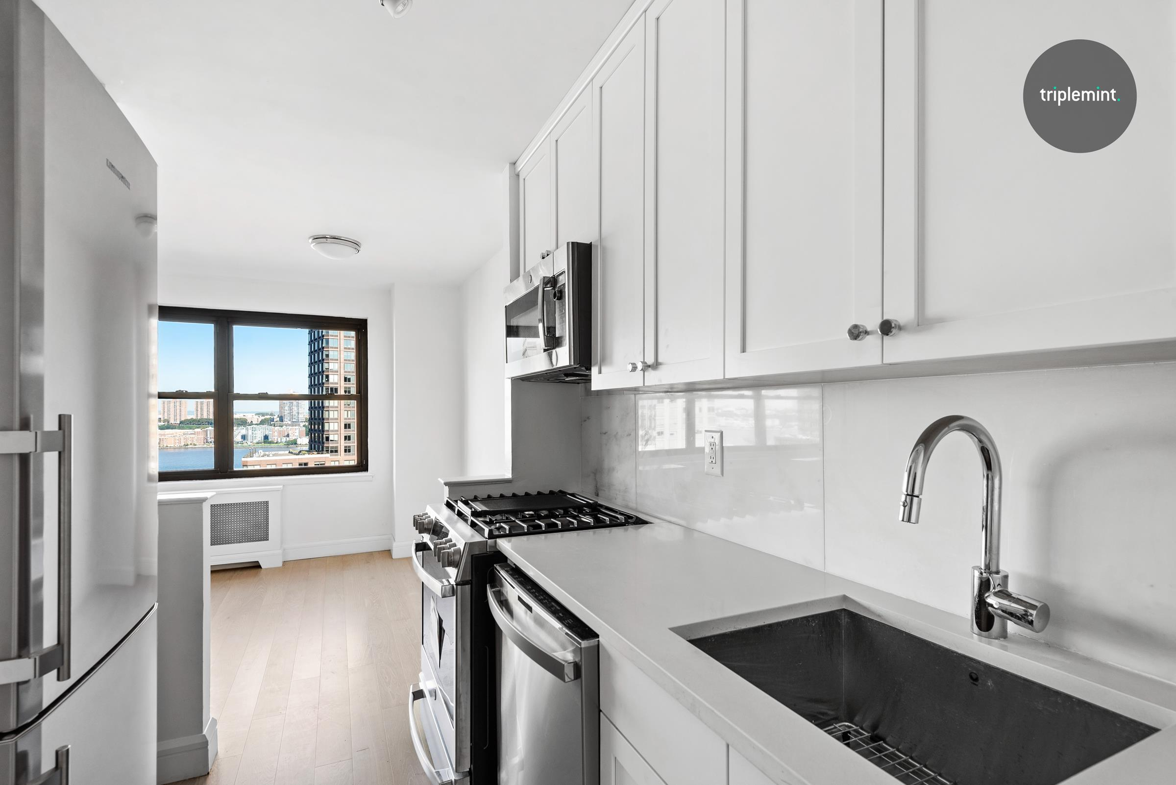 185 West End Avenue Lincoln Square New York NY 10023