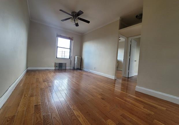 21-77 33rd Street 5-E Steinway-Ditmars Queens NY 11105