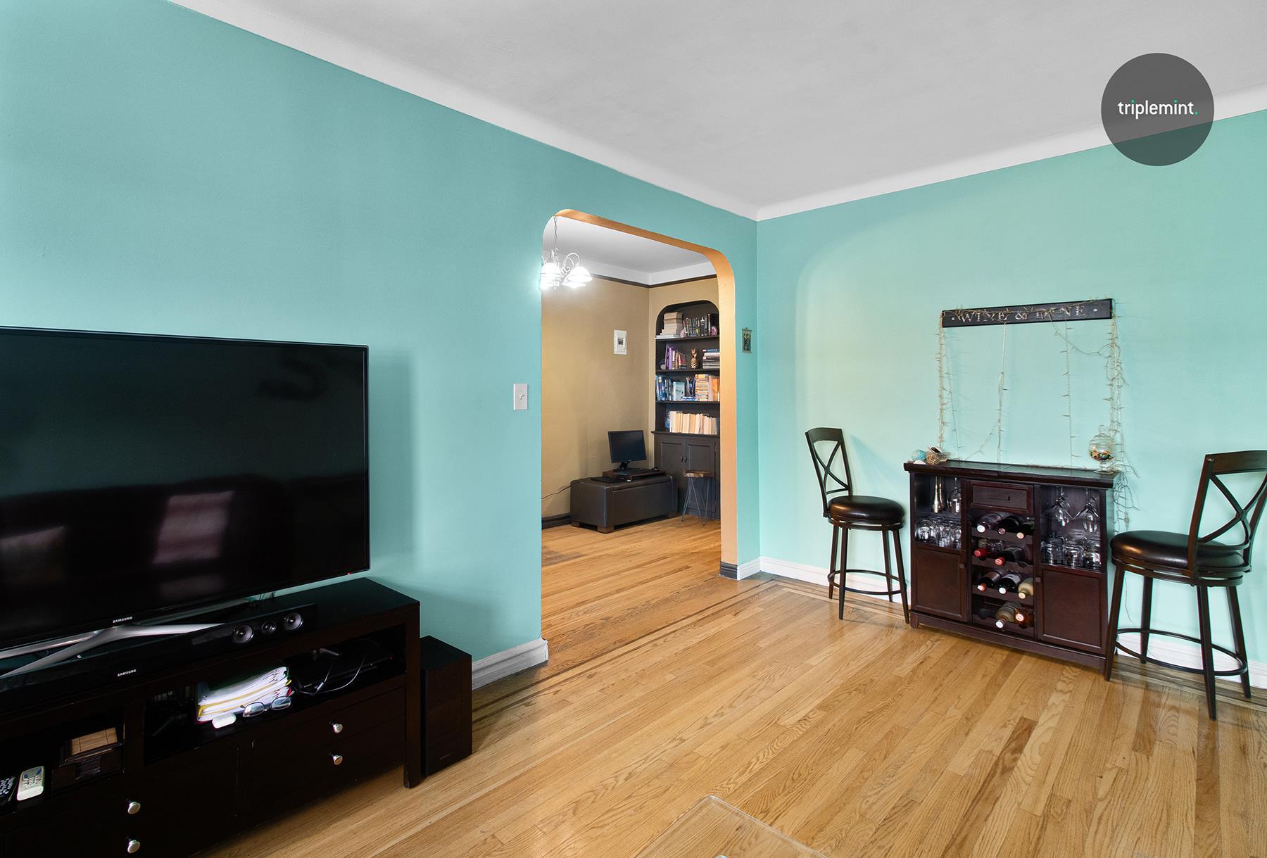 63-109 Saunders Street Rego Park Queens NY 11374