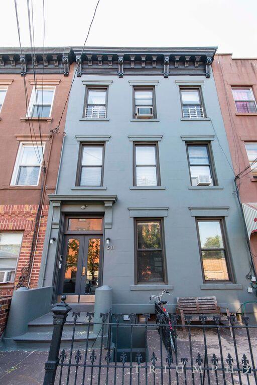511 Clinton Street Carroll Gardens Brooklyn NY 11231