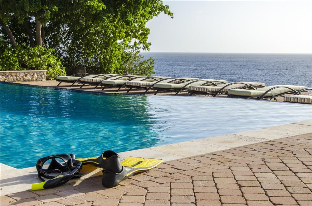 Ocean Front Villa in CURACAO - HURRICANE FREE CARIBBEAN ISLAND