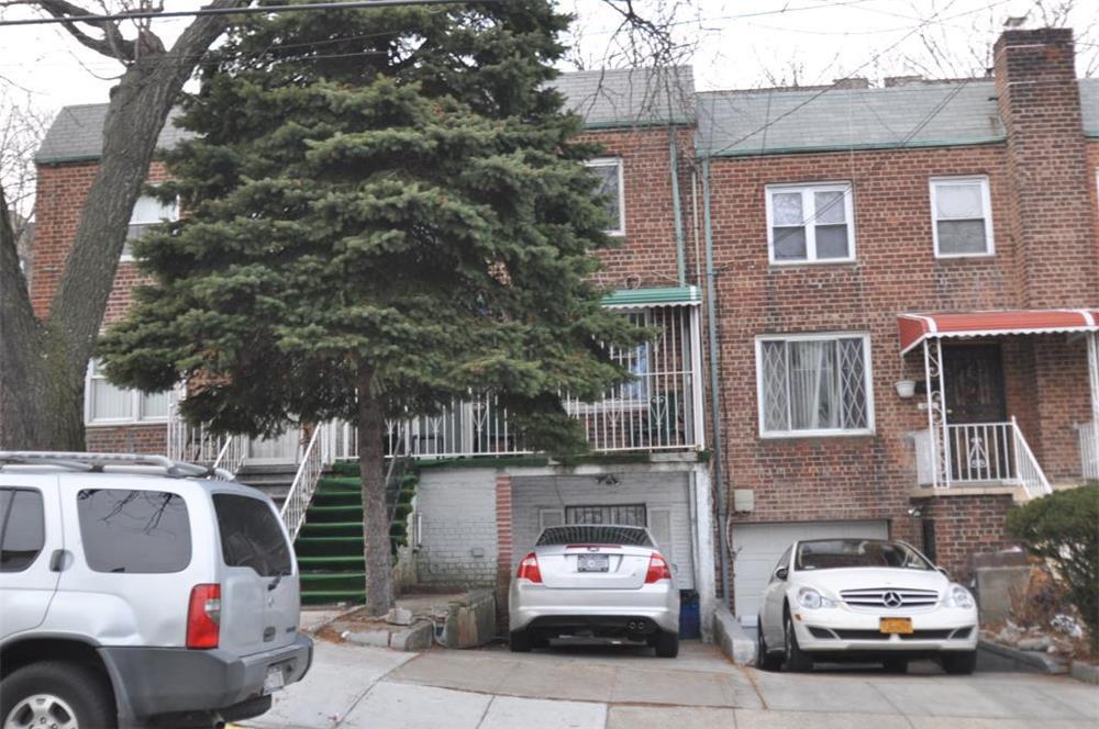 4381 Byron Avenue Wakefield Bronx NY 10466