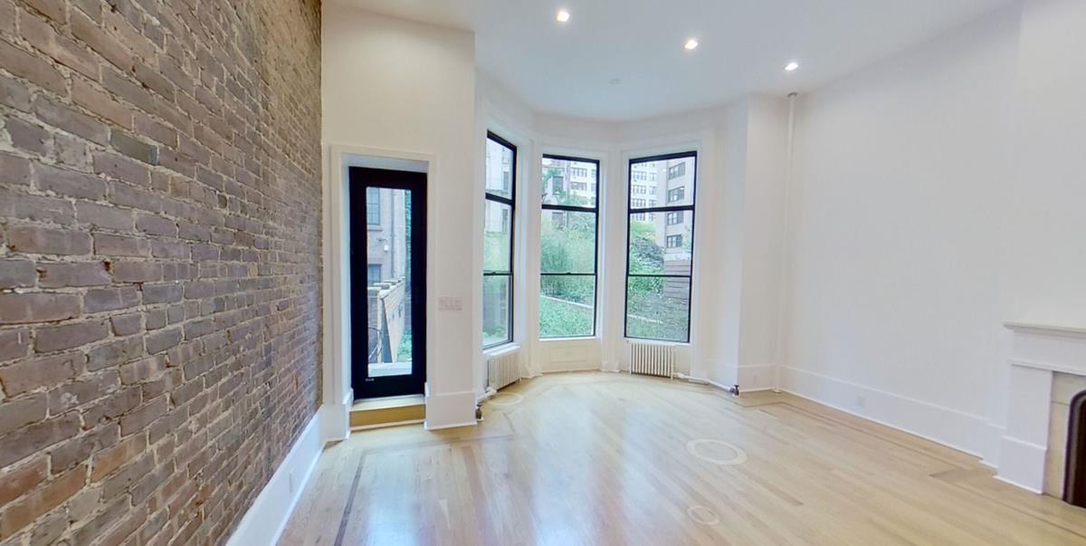 153 East 37th Street Murray Hill New York NY 10016