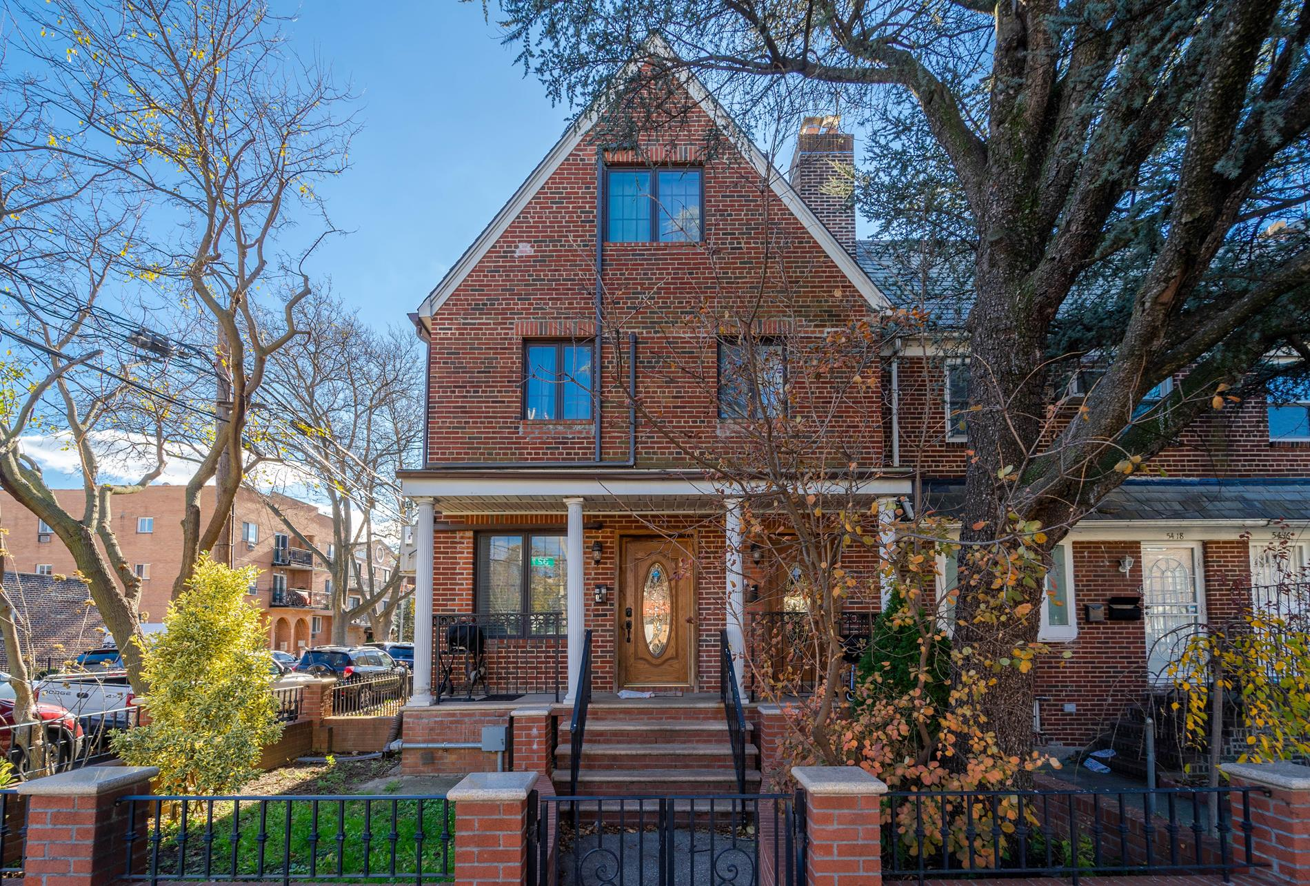 54-20 32nd Avenue Woodside Queens NY 11377