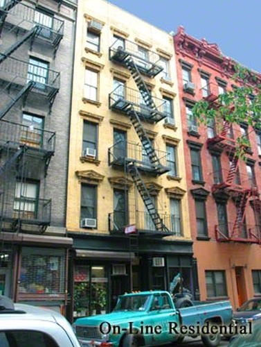 147 Sullivan Street Soho New York NY 10012