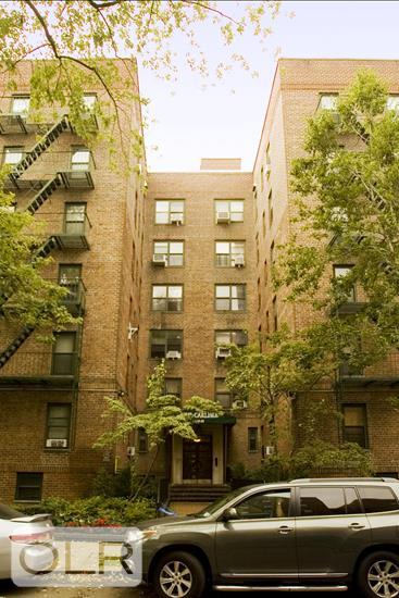 140-21 Burden Crescent Briarwood Queens NY 11435