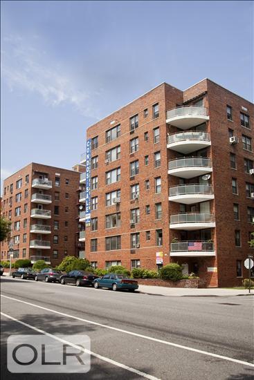 9511 Shore Road Fort Hamilton Brooklyn NY 11209
