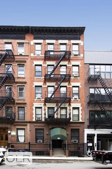 438 West 49th Street Clinton New York NY 10019