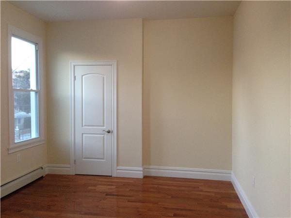 #1370782   157 Linwood Street