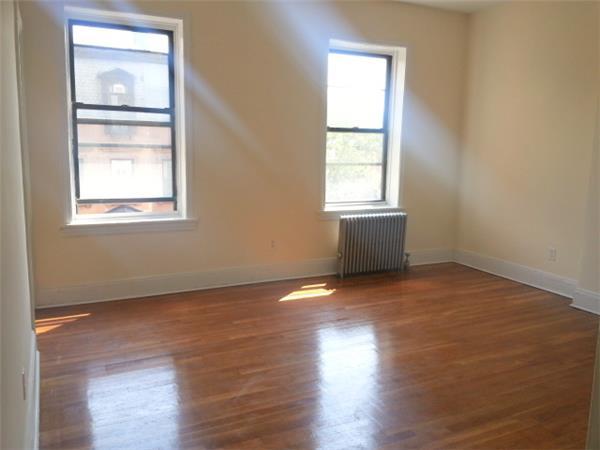 #1475944   Brooklyn Heights