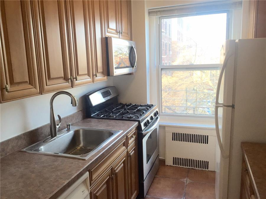 76-15 35th Avenue Jackson Heights Queens NY 11372