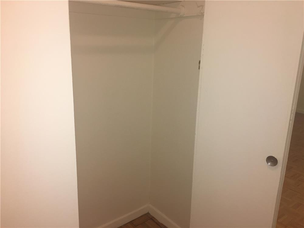 #513841   525 East 82nd Street #5A New York NY 10128