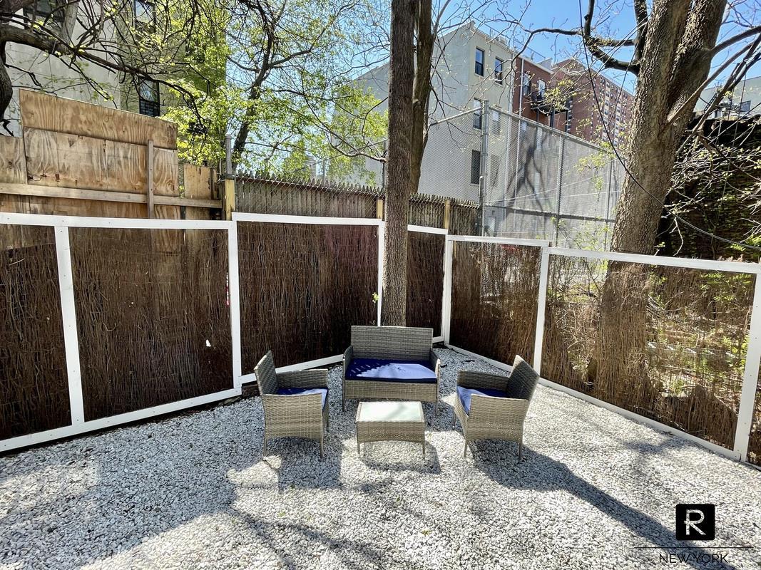 #1719395   260 West 135th Street, New York, NY 10030