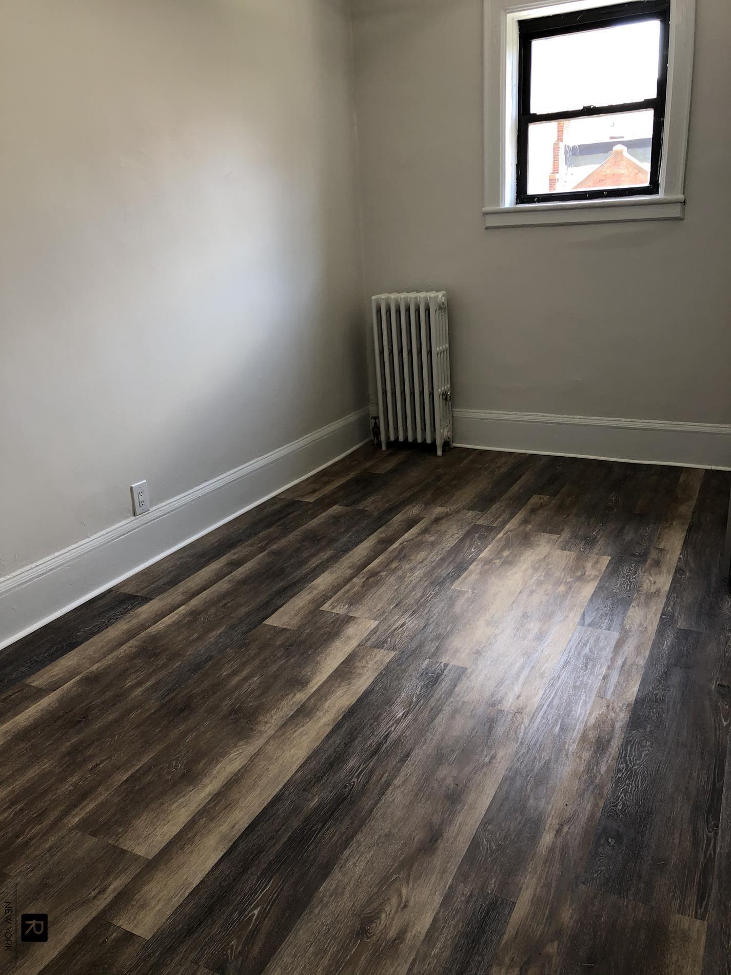 #1881523   321 west 89th Street #11, New York, NY 10024