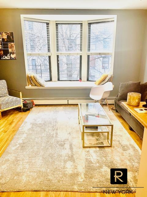 #1919921   Spacious 1.5 Bedroom steps from Central Park