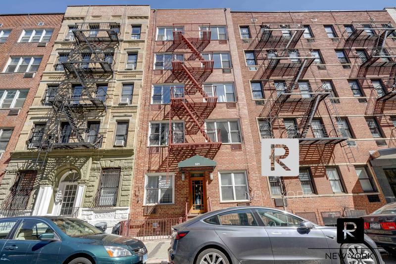 #1930315 | 521 East 88th Street
