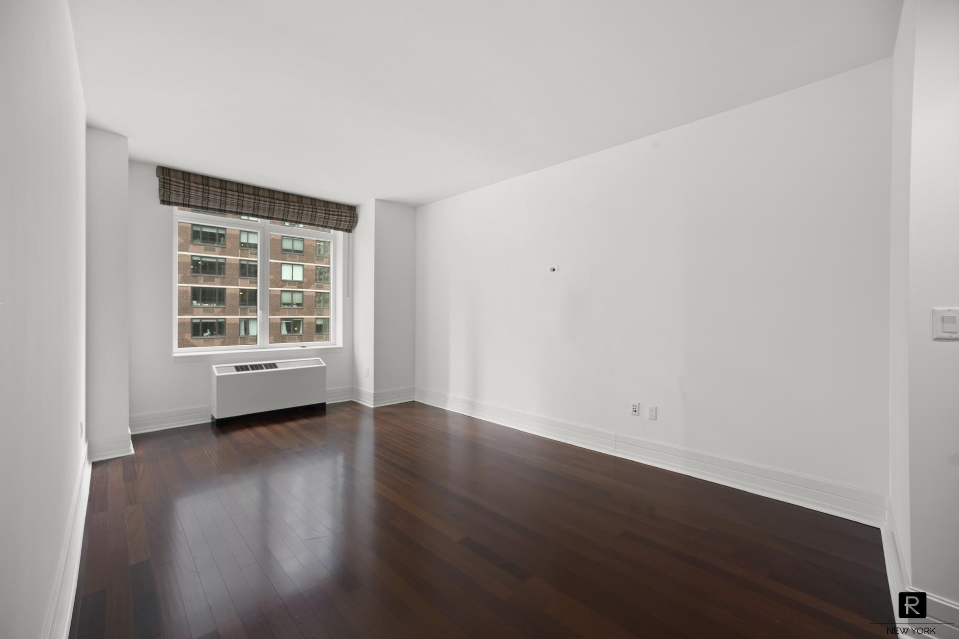 #1932688   300 East 55th Street