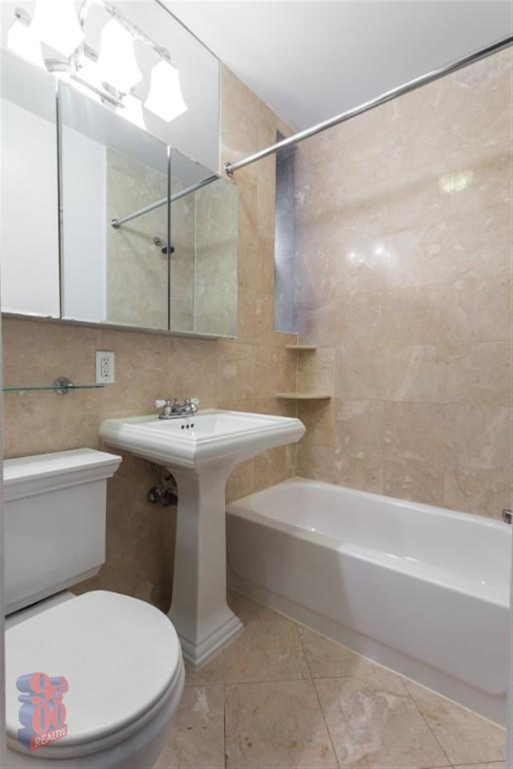 TWO BEDROOMS - Murray Hill