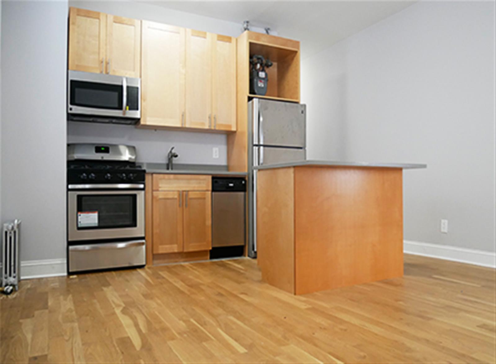 FOUR BEDROOM - Washington Heights