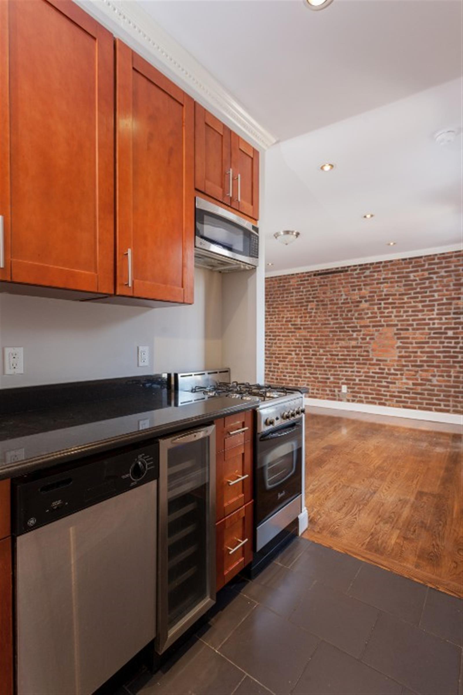 THREE BEDROOM - East Harlem