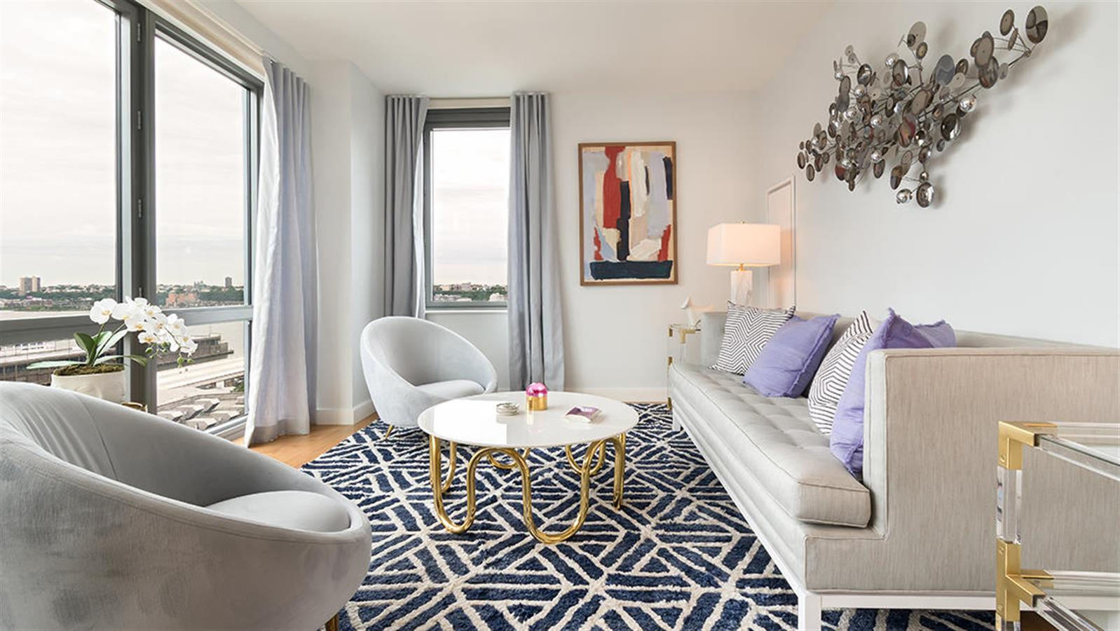 Stunning 3 bedroom w/ Great Views