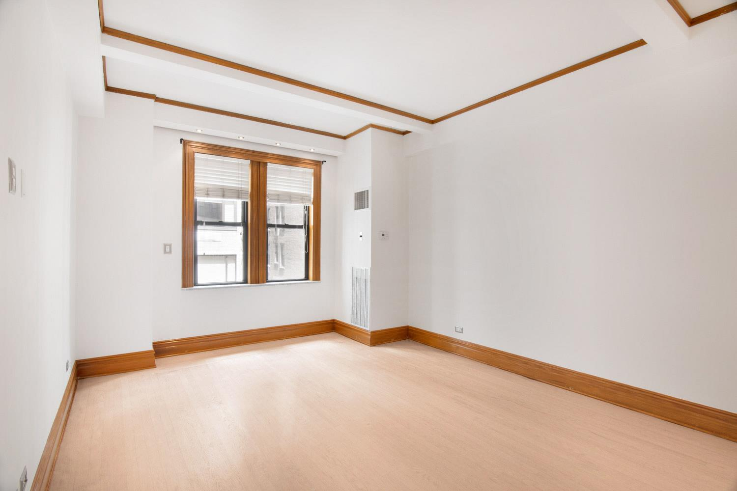 Contemporary 2 BR/2 BA in Midtown West