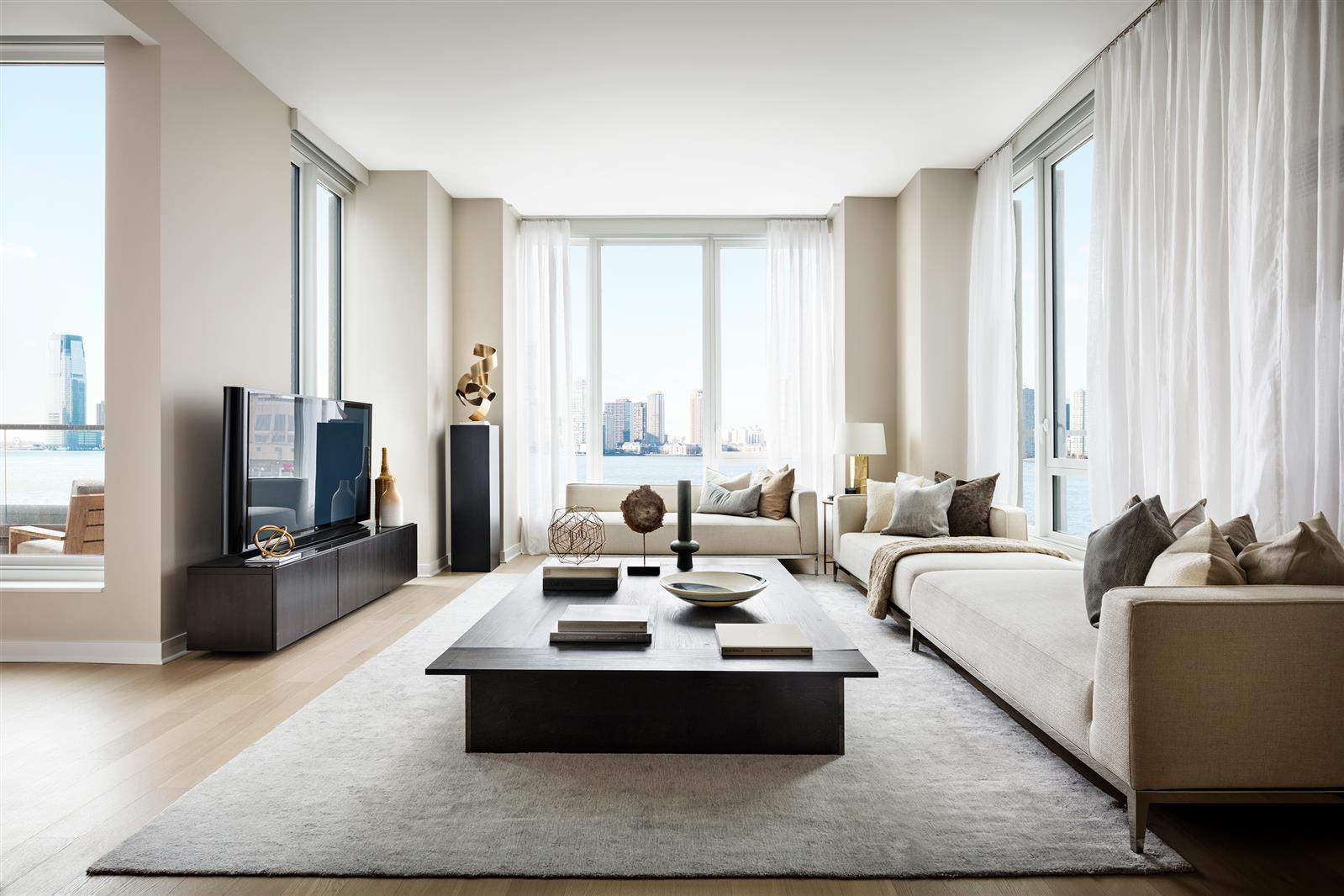 Amazing Four Bedroom Apartment - Tribeca