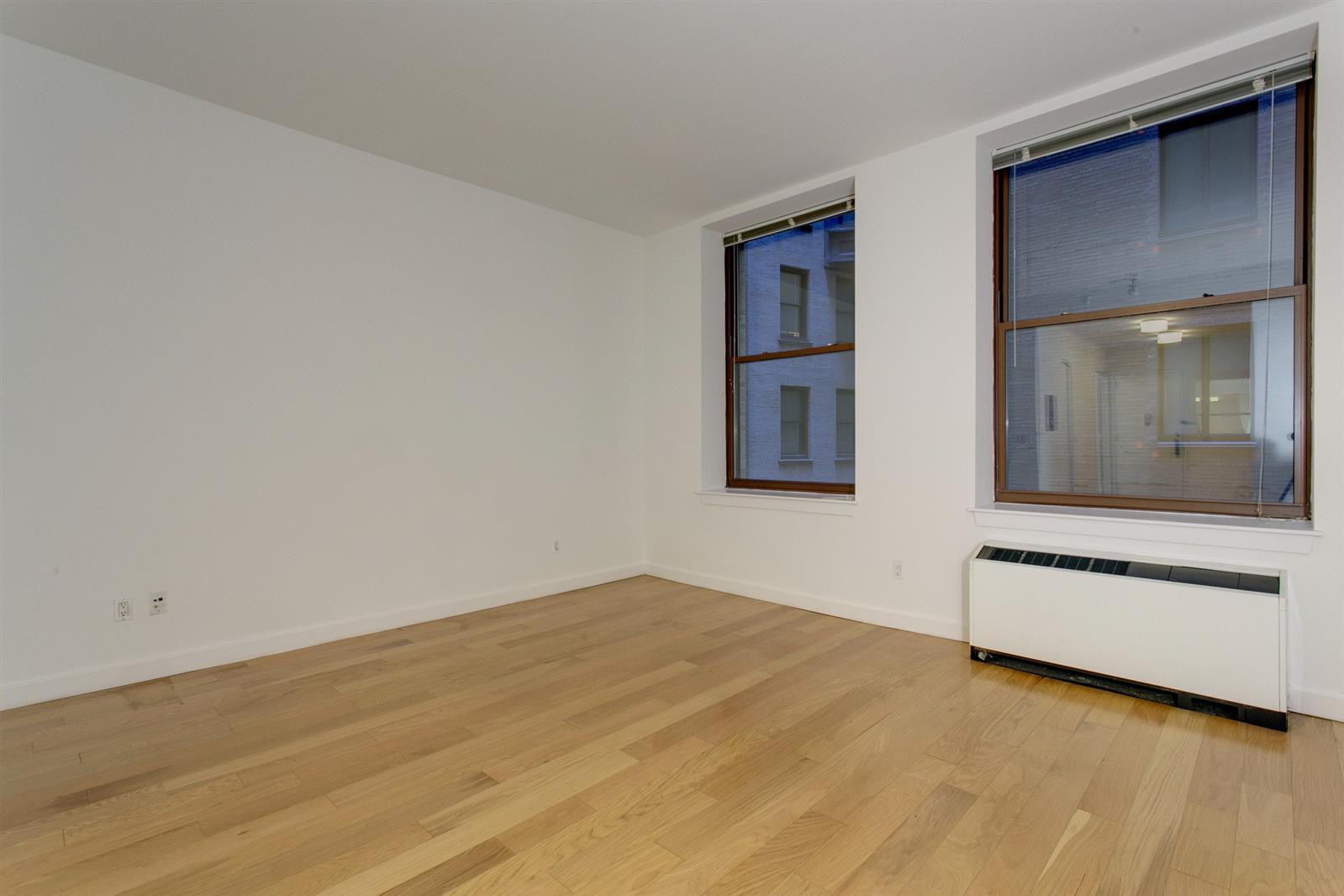 Studio - Financial District