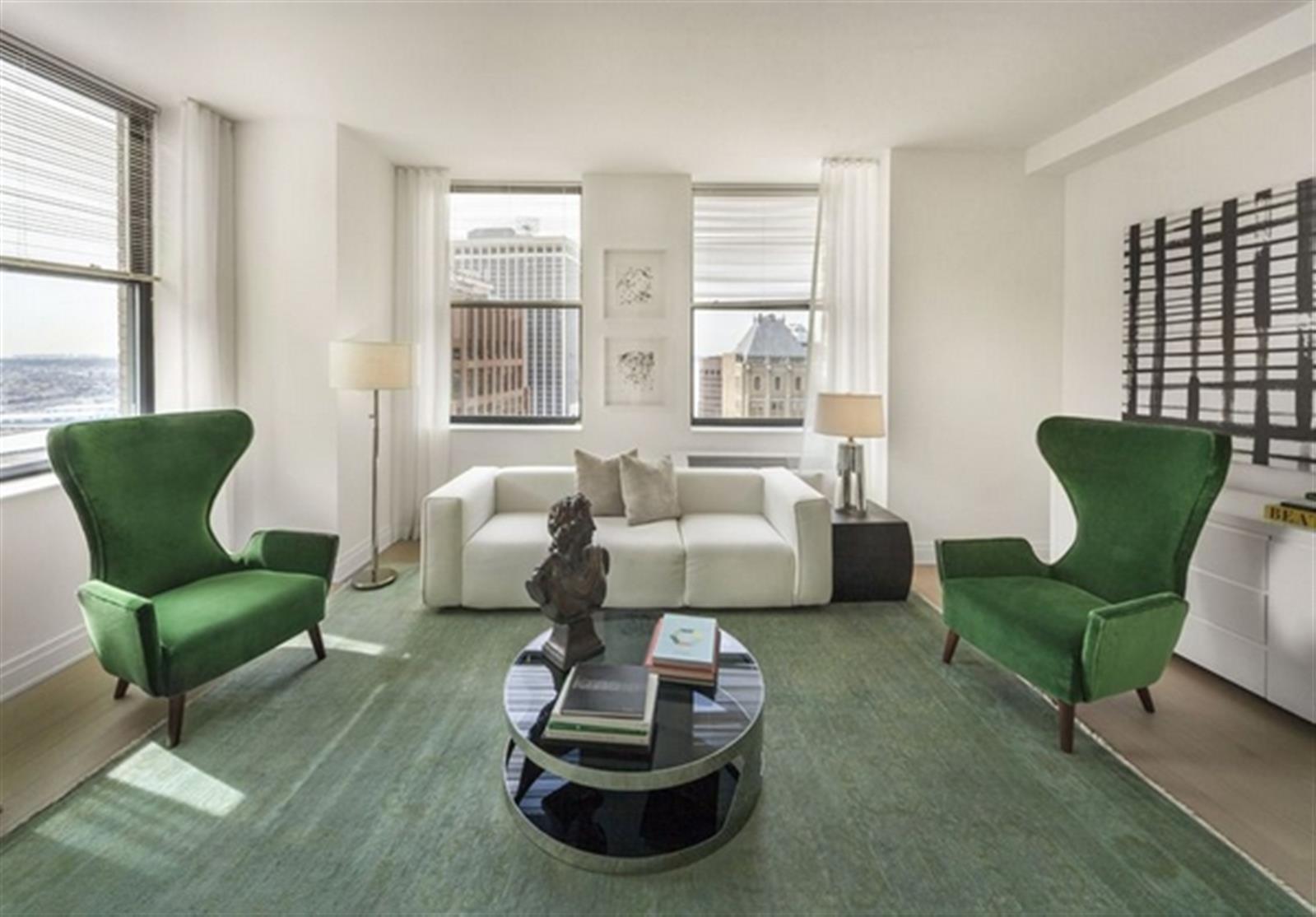 High Floor 2 Bedroom in Prime Financial District
