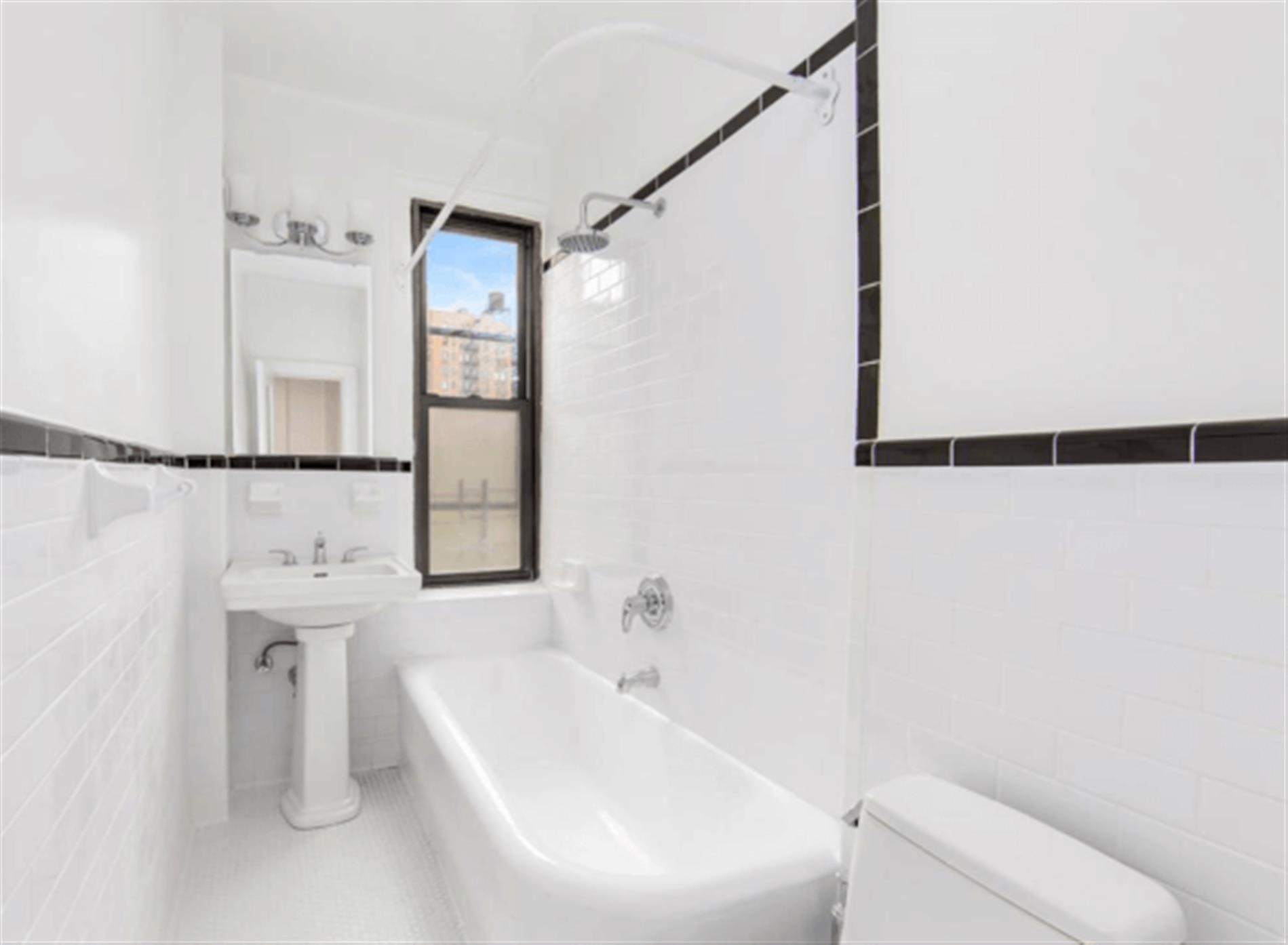 Amazing Three Bedroom/Thee Bathroom Upper East Side