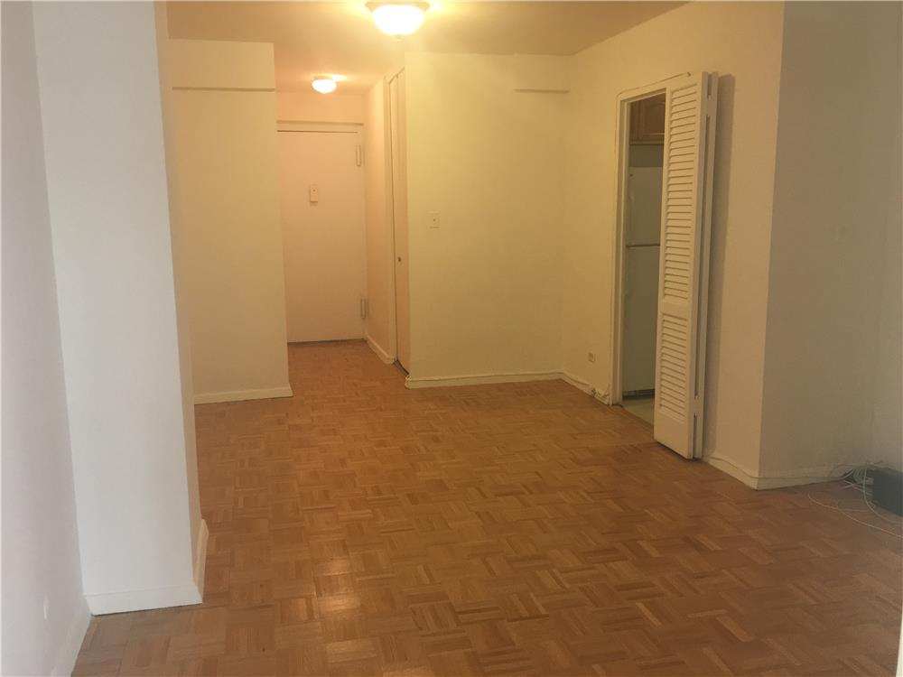 #1889578   525 East 82nd Street 3/A, New York, NY 10028